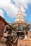 Rénovez Chedi de Wat Chaiwatthanaram images stock