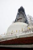 Rénovez Chedi de Wat Phra Mahathat Woramahawihan photo libre de droits