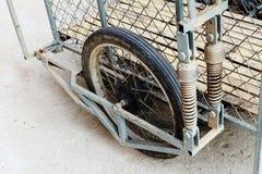 Rénovez l'amortisseur et la roue Photo stock