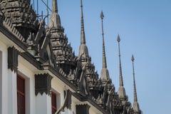 Rénovez le château métallique de Loha Prasat chez Wat Ratchanadda dans l'interdiction photos stock