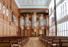 Répétition dans un hall vide d'organe Photographie stock