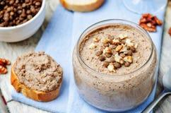 Répand le pâté vert de lentille de noix Images stock
