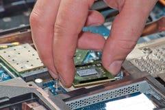 Réparation d'ordinateur portatif Images libres de droits