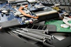 Réparation d'un ordinateur Images stock