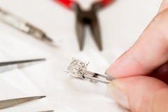Réparation de bijoux Photographie stock libre de droits