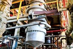 Réparation de l'équipement de processus chimique des canalisations, des pompes, des réservoirs, des échangeurs de chaleur, des br photo stock