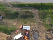 Réparation de la section de gazoduc passant par la voie d'eau Réparez le travail Images stock