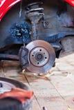 Réparation de la suspension de la vieille machine Photo stock