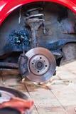 Réparation de la suspension de la vieille machine Images stock