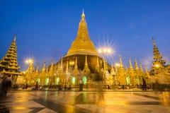 Réparation de pagoda de Shwedagon tous les cinq ans à la fois pour pas à Image stock