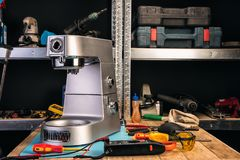 Réparation des appareils ménagers au centre de service images libres de droits
