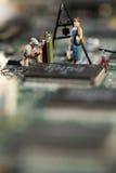 Réparation des circuits électroniques photos libres de droits