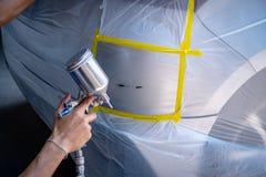 Réparation rapide de peinture de voiture, cela prend une à deux heures photographie stock libre de droits