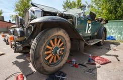 Réparez la rétro voiture Buick 25X 1929 ans Images stock