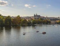 République Tchèque, Prague, le 8 septembre 2018 : panorama de Gradchany, de château de Prague et de St Vitus Cathedral, île d'ost photo libre de droits
