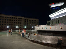 Réquiemes para las víctimas del vuelo MH17 noche Imagenes de archivo
