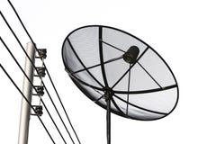 Réseau d'antenne parabolique et de technologie des communications de câble Image stock