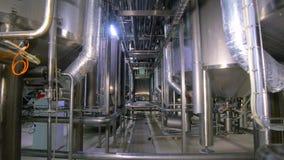 Réseau de pipe-lines à une usine de gaz clips vidéos
