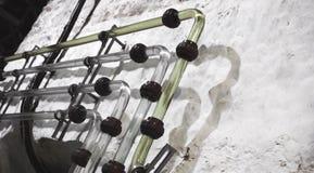 Réseau de pipe-lines en verre de vintage dans l'établissement vinicole images stock