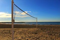 Réseau de volleyball sur la plage photographie stock libre de droits