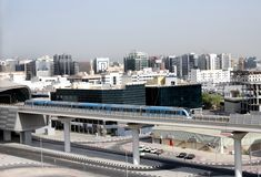 Réseau ferroviaire entièrement automatisé de métro à Dubaï Photographie stock libre de droits