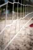 Réseau pour le jeu à la bille de plage photographie stock