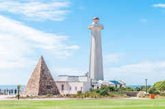 Réservation de Donkin avec le phare et la pyramide de pierre photos stock