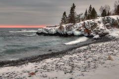 Réserve indienne grande de transport pendant l'hiver sur les rivages du lac Supérieur au Minnesota à la frontière canadienne photographie stock
