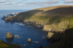 Réserve naturelle de Hermaness sur Unst, l'île de Shetland la plus nordique Photographie stock libre de droits