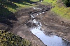 Réservoir à de bas niveau après un été sec Photo stock