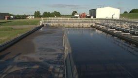 Réservoir aéré de banc à dossier de boue activée à l'installation de traitement de rebut d'eaux usées clips vidéos