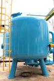 Réservoir bleu de filtre de sable de pression images stock