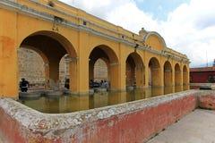Réservoir d'eau des syndicats de La à l'Antigua, Guatemala Images stock