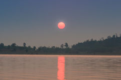 Réservoir dans la vue de lever de soleil Photographie stock libre de droits