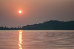 Réservoir dans la vue de lever de soleil Image stock