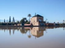 Réservoir de Menara de La à Marrakech au Maroc photos libres de droits