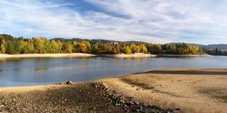 Réservoir de Mseno en automne, Jablonec NAD Nisou Image libre de droits