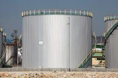 Réservoir de stockage de pétrole Photo libre de droits