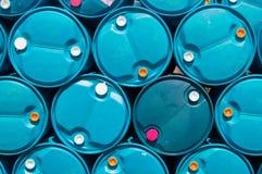 Réservoir de stockage de pétrole en plastique bleu de texture Photos stock