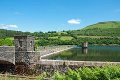 Réservoir de Talybont pendant l'été au Pays de Galles Photographie stock