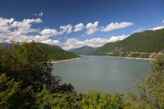 Réservoir de Zhinvali. La Géorgie. Photo stock