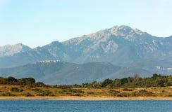 Réservoir en plaine orientale de la Corse photographie stock