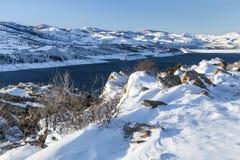 Réservoir et barrage de montagne Image libre de droits