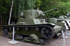 Réservoir léger avec un échantillon cylindrique de la tour T-26 URSS 1932 sur g Photos stock