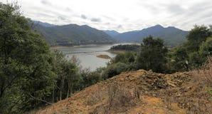 Réservoir sur la montagne Photographie stock libre de droits