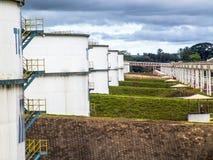 Réservoirs d'éthanol dans l'industrie photographie stock