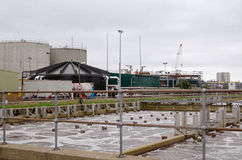 Réservoirs d'aération et supports de gaz, travaux d'eaux d'égout Image libre de droits