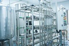Réservoirs d'eau, matériel de traitement à l'eau image stock