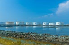 Réservoirs d'huile paraffinée Photographie stock libre de droits