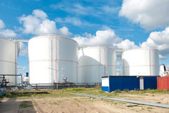 Réservoirs de carburant Photo libre de droits